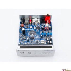 Cambridge-Audio-Dacmagic-100-interni