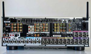 Denon X6700 in- en uitgangen