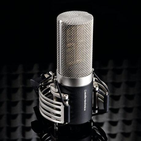 Hoofdfoto van de Audio-Technica-AT5040 microfoon.
