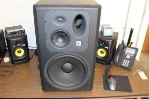 JBL-LSR6332L-Studiomonitore