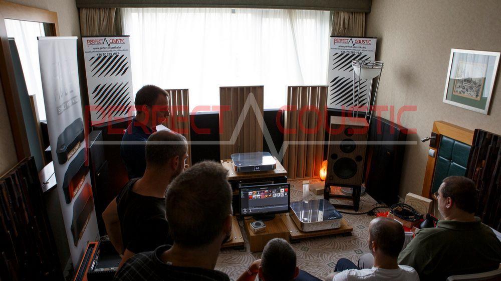 basstrap-Kolom akoestische diffusers-hifi akoestiekontwerp tentoonstellingsruimte met akoestische dempers