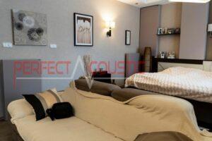 woonkamer met akoestische dempers (2)