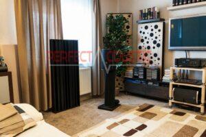 woonkamer met akoestische panelen (2)